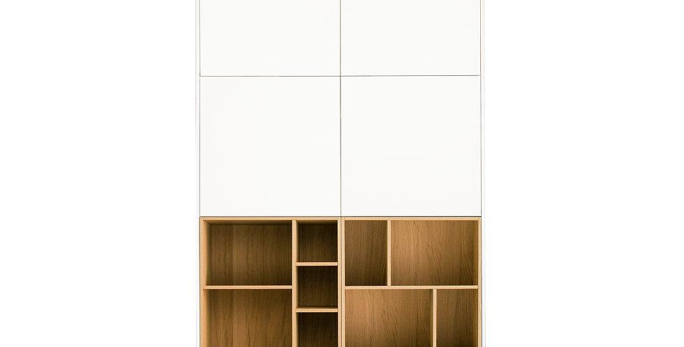 dulap dormitor cu 4 usi albe si doua nise lemn natur