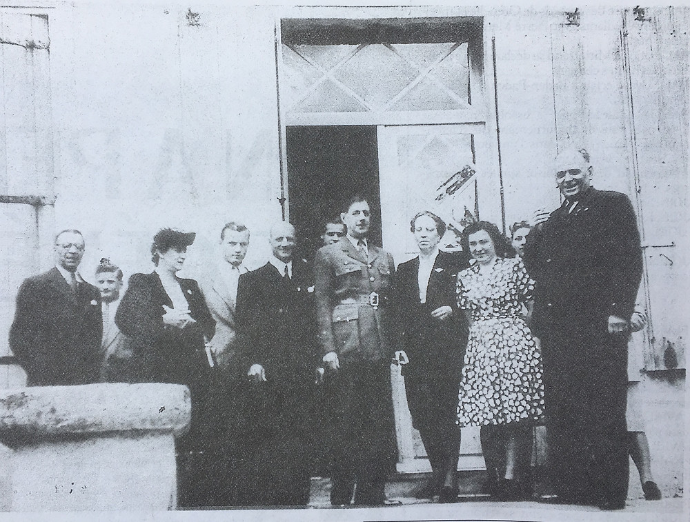 De Gaulle visits Chateau LaRoque in 1947