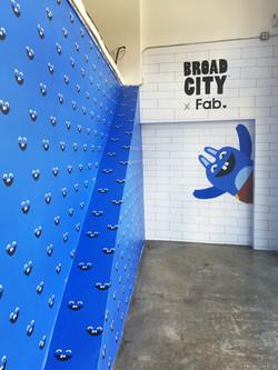 BROAD CITY WALL 02