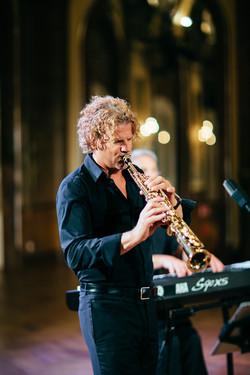 Der Saxophonist von AZA'S LOUNGE
