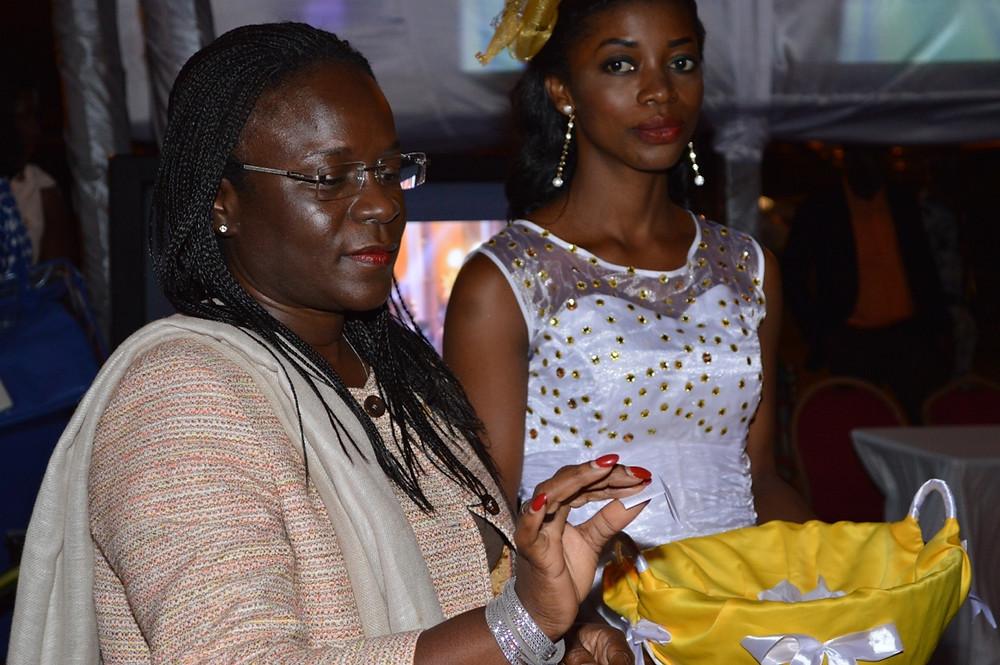 Tirage au sort lors de la cérémonie d'inauguration du studio photo Connexion Photography Abidjan