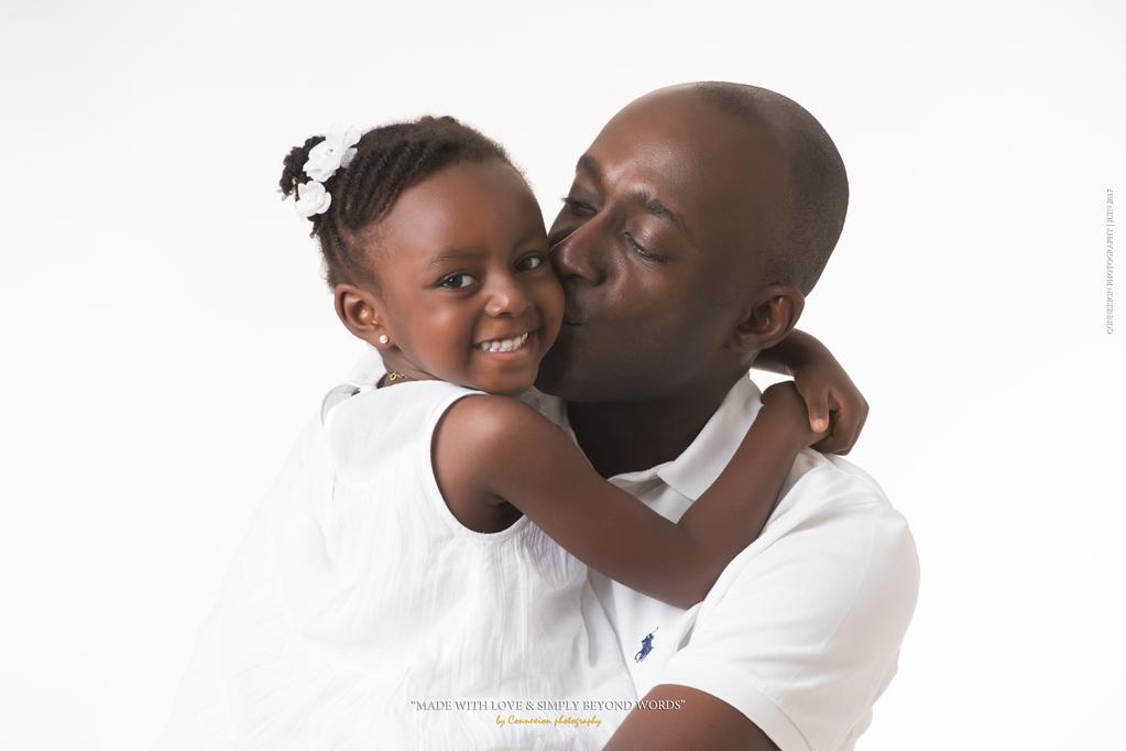 Famille noire papa et sa fille