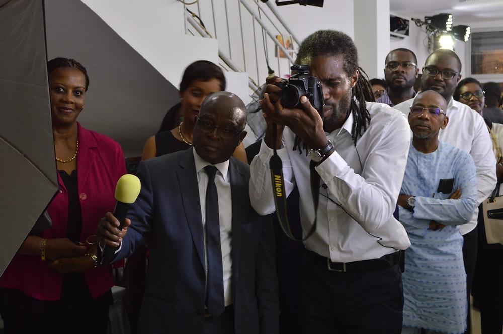 Séance photo à la cérémonie d'ouverture du studio photo Connexion Photography Abidjan