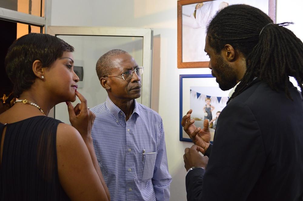 Entretien du DG avec Mme Martine Coffie Studer et Victor Nanbelessini à la cérémonie d'inauguration du studio photo de Connexion Phototography Abidjan