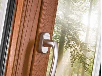 Janelas e portas modernas em alumínio/madeira