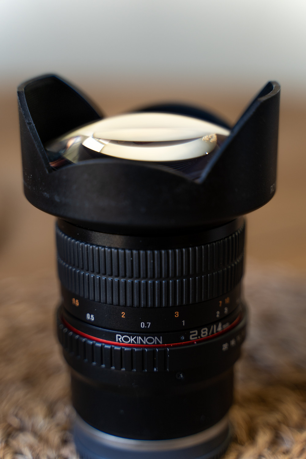 Rokinon 14mm F2.8 side view