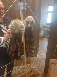 Marionnettes laine.jpg