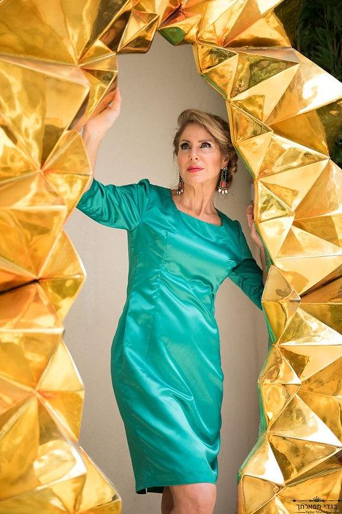 שמלת ירוק אמרלד פודנ'ג