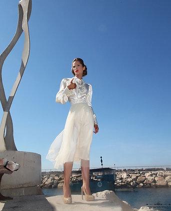חצאית טול באז עם חגורת נצנץ פרחים במותן