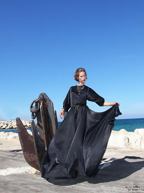 שמלת סאטן וואש שחורה ארוכה