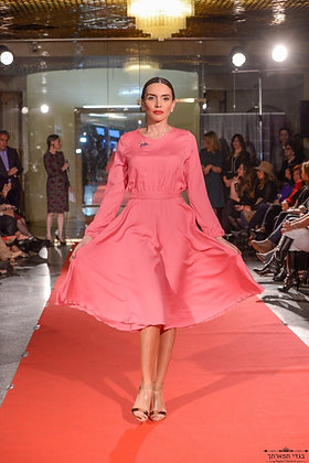 שמלה קלושית ורוד פוקסיה
