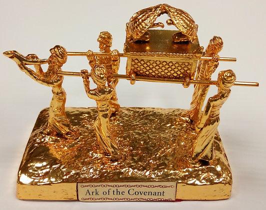 ארון הברית עם אנשים--זהב