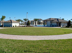 The Oasis Clubhouse - Lawn
