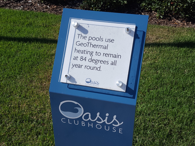 The Oasis Clubhouse - Heated Pools