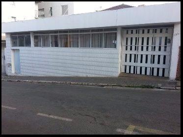Vaga Masculina em República Bartira - Centro - Lavras