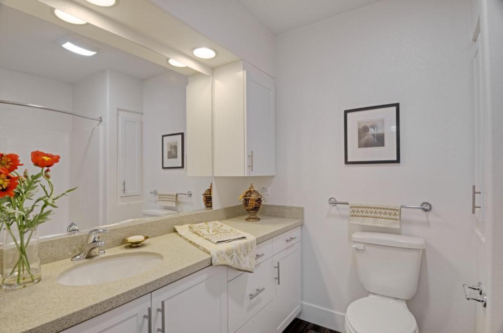 Kensington Commons Bathroom