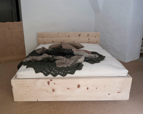 GENZIANA letto in Cirmolo