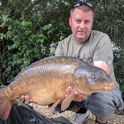 Another Linear Fisheries B2 mirror, this one was 27lb nailed on our carp hooks