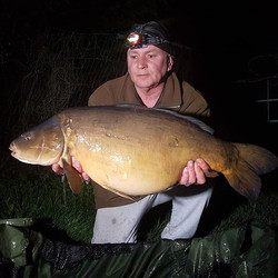How about this wrinkly old warrior, the fish obviously, the 3rd fish for _stevec_carpaholic Steve Ca