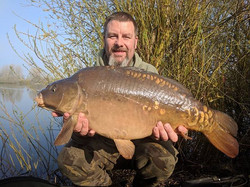 What a cracking day and what a way to start it off. 2 more mirrors for _mark_carp.online early this