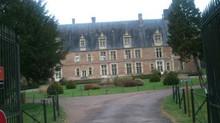 Le château de Saint-Amand-en-Puisaye fait salon