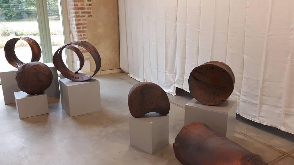 pièces de grès par Nathalie Commergnac