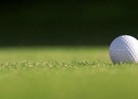 【ゴルフ上達法】スコアアップの為のオススメレッスンとクラブ選び
