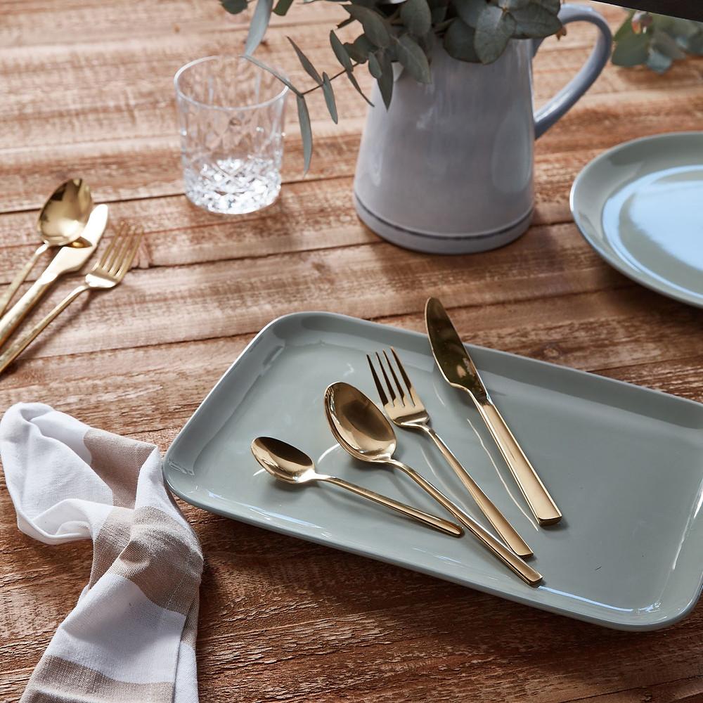 16 Piece Gold Host Cutlery Set