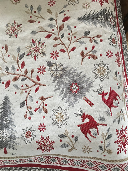 Vallee de Neige Embroidered Holiday Table Toppers: Silver