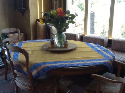 Esterel Table Topper