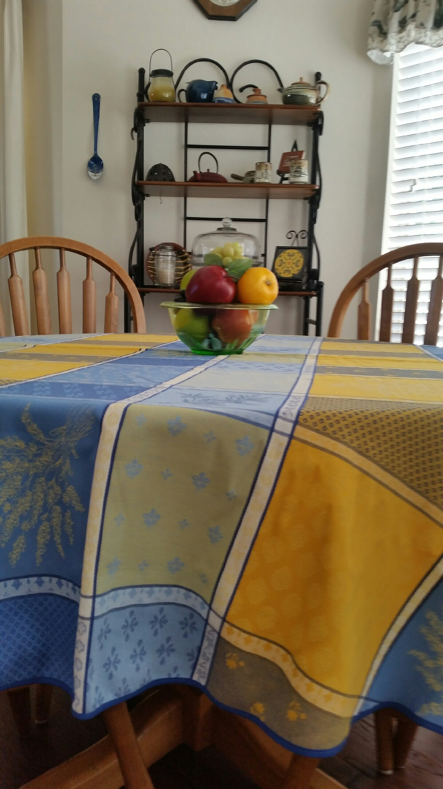 Lourmarin Jacquard Tablecloth