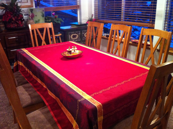 Olea Red Jacquard Tablecloth