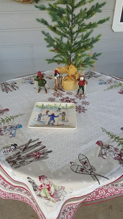 Boules de Neige Holiday Tablecloth: Natural