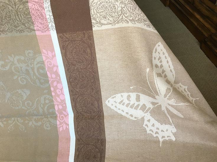 Barboleta Grey with Pink Jacquard Tablecloth