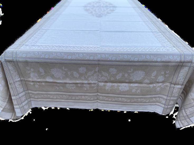 Ramatuelle Jacquard Tablecloth: Natural