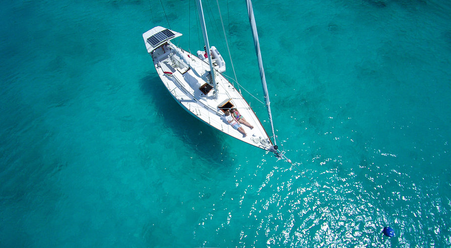 Vista superior del barco de vela