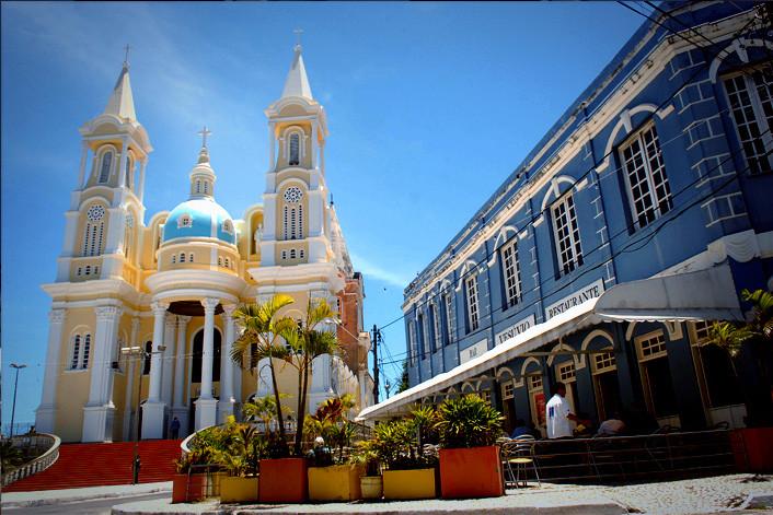 Bar Vesúvio e Catedral de São Sebastião