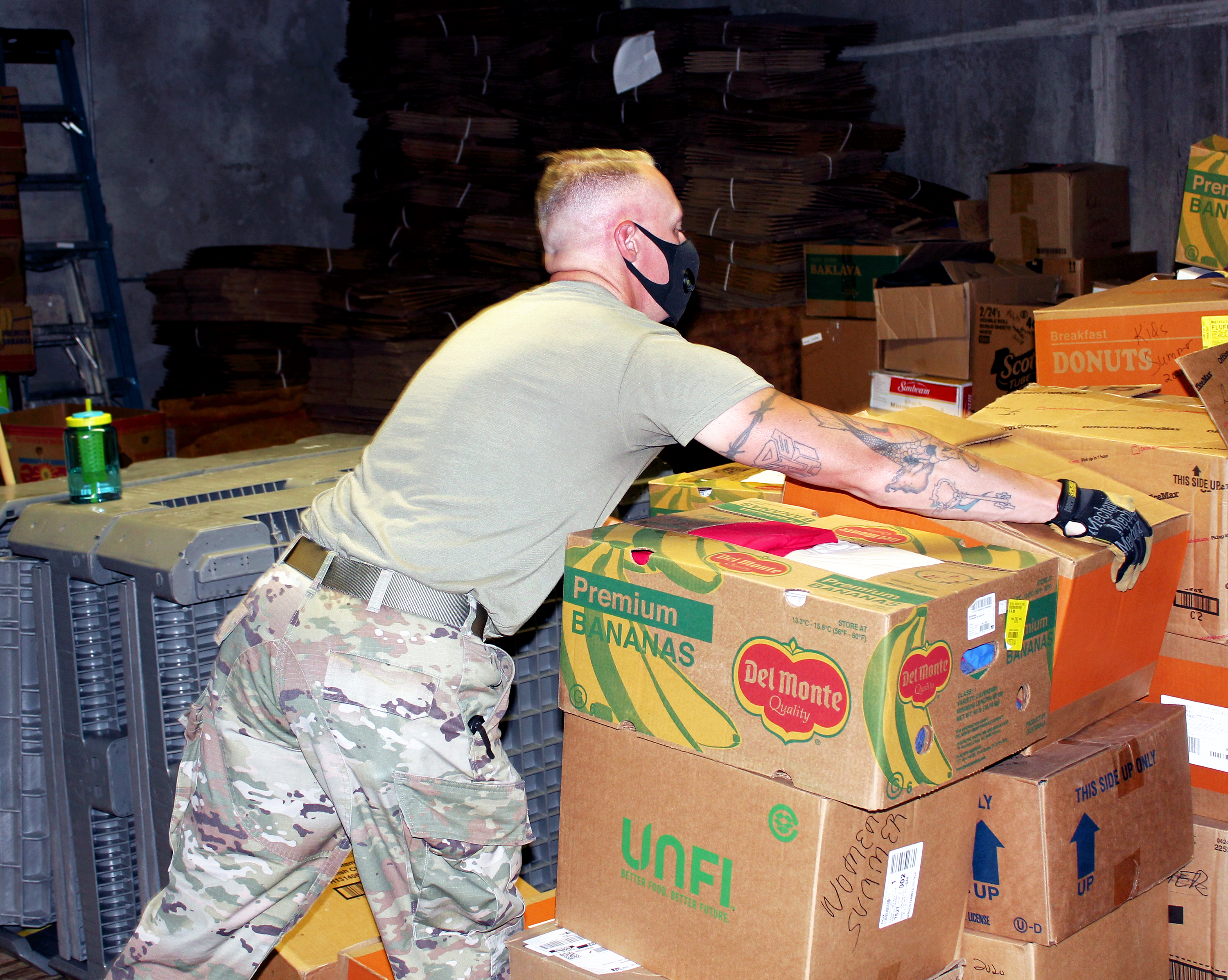 Guard moving boxes