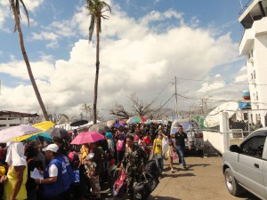 IDP-leaving-Tacloban-for-Manila-300x225