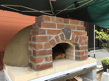ドーム型ピザオーブン石窯