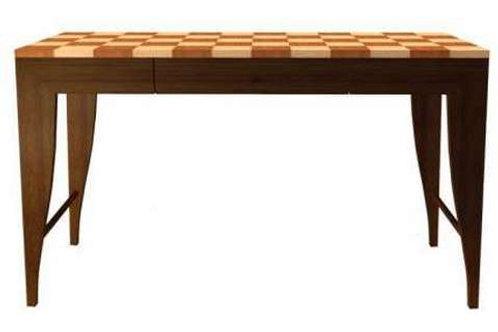 Naga Desk