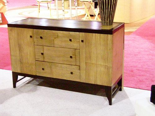 Naga Dresser