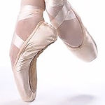 pointe%20shoe%201_edited.jpg