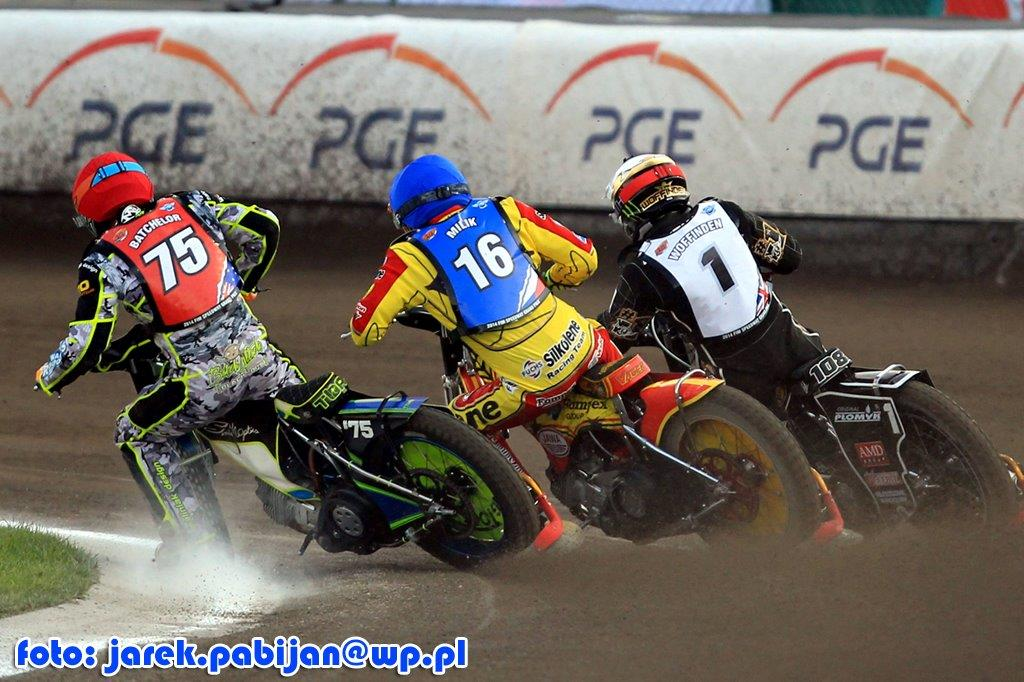 batchelor-milik-woffinden2002.jpg