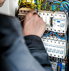 prévention vérification installation électrique q18