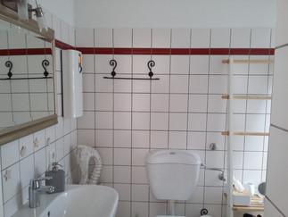 Badezimmer-Ferienwohnung-am-Kurpark-luen
