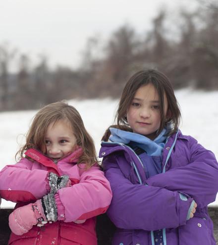 sisters-3677351.jpg