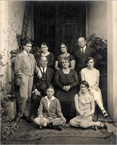 Guillermo Kahlo, Frida Kahlo and Family, 1926