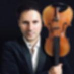 classical-music-violinist-darius-electri