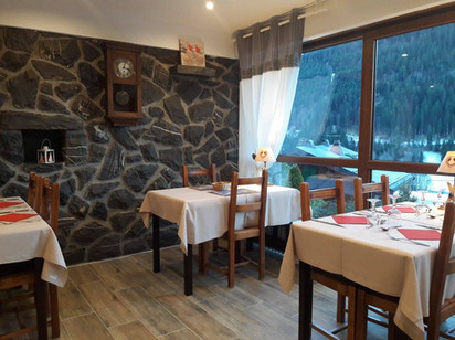 Cosy restaurant for friends and family